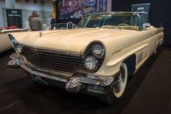 Osobisty luksusowy samochodowy Lincoln Mark V Kontynentalny kabriolet, 1960 Obrazy Stock