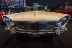 Osobisty luksusowy samochodowy Lincoln Mark V Kontynentalny kabriolet, 1960 Zdjęcia Stock