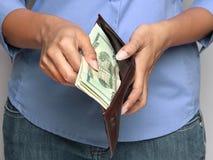 Osoby mienia portfel z pieniądze Obrazy Royalty Free