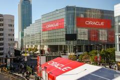 Osoby obecne Oracle Otwarta Światowa konferencja iść Moscone centrum obrazy royalty free