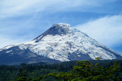 Osorno vulkan med glaciar Arkivbild