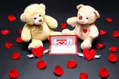 Osos y tarjeta de la tarjeta del día de San Valentín Imágenes de archivo libres de regalías