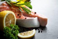 1 łososia surowy stek Zdjęcia Stock