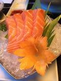 Łososiowy sashimi na lodzie Zdjęcia Stock