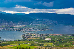 Osoyoos英国Culumbia加拿大和Osoyoos湖 免版税库存图片