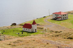 Ospakseyrarkirkja, μια από τις πολλές ισλανδικές εκκλησίες Στοκ Εικόνες