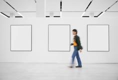 Ospite ad una mostra fotografie stock libere da diritti