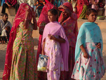 Ospiti al cammello giusto, Jaisalmer, India Immagine Stock