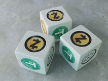 Ossa del gioco con l'immagine di valuta cripto Gioco dei dadi per la c Immagine Stock Libera da Diritti