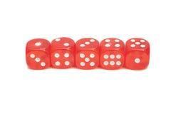 Ossa di gioco trasparenti rosse isolate su bianco Fotografie Stock Libere da Diritti