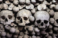 Ossa e crani umani in ossario di Sedlec vicino a Kutna Hora Fotografie Stock