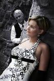 Osservando alla sposa Fotografie Stock Libere da Diritti