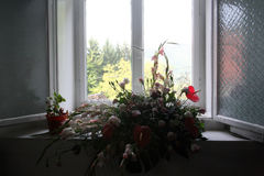 Osservi dalla finestra dei churchs, la chiesa di St Leonards, Kotari, Croazia, Europa Immagini Stock