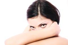 Osservi di giovane donna splendida Fotografia Stock