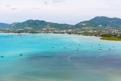 Osservi il mare ed il pilastro per la barca di viaggio nell'isola di Phuket, Tailandia Fotografia Stock Libera da Diritti