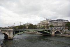 Osservi il paesaggio della città di Parigi alla riva del fiume della Senna Immagine Stock Libera da Diritti