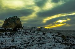 Osservi il tramonto verde a forma di sopra il Cappadocia stregante, Turchia fotografie stock libere da diritti