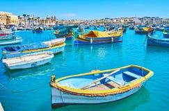 Osservi la baia di Marsaxlokk fotografie stock libere da diritti