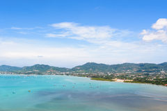 Osservi la città del cielo e del turista del mare a Phuket, Tailandia immagine stock libera da diritti