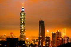 Osservi la costruzione di Taipei 101 di notte sulla montagna dell'elefante Fotografia Stock Libera da Diritti