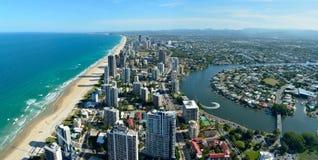 Osservi sopra il fiume di paradiso e di Nerang dei surfisti nel Queensland, Austr Immagine Stock Libera da Diritti