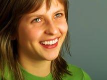 Osservi in su e sorrida fotografia stock libera da diritti