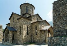 Ossetian χριστιανικός ορθόδοξος ναός στο μοναστήρι Fiagdon, ο Βορράς ossetia-Alania, Ρωσία 2014-08-24 Στοκ Εικόνες