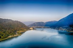 Ossiacher See in Kärnten. Scenic summertime panorama of Lake Ossiach. In Carinthia. Famous touristic area close to Villach in the south of Austria stock photo