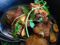 Osso da carne de porco fritado Imagens de Stock