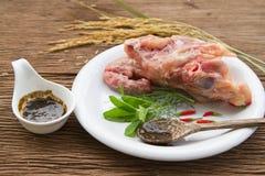 Osso fresco del pollo per minestra di riserva immagine stock libera da diritti