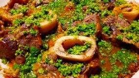 Ossobuco lub osso buco jest specjalnością lombard kuchnia Włochy obraz stock