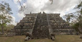 Ossuary maia em Chichen Itza imagens de stock