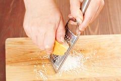 ost grated parmesan royaltyfria bilder