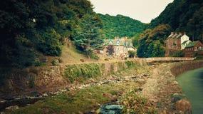 Ost-Lyn River bei Lynmouth Devon Großbritannien stockfotos