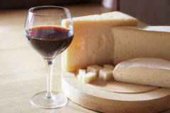 Ost och wine Royaltyfria Foton