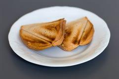 Ost som två är sandwish på den vita plattan Fotografering för Bildbyråer