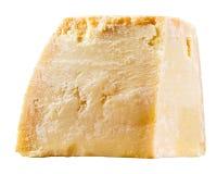 Ost. Stycke av parmesan som isoleras på vit Royaltyfri Foto