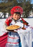 Ostatki. Rosyjska kobieta w sundress obrazy royalty free