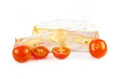 Ostbrie som isoleras på vit bakgrund Camambert Royaltyfria Foton