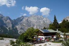 Ostello della montagna di Wimbachgrieshutte in valle di Wimbachtal Fotografia Stock Libera da Diritti