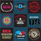 Ostente a coleção atlética do emblema do logotipo do futebol do basebol da faculdade Gráficos e projeto do t-shirt da tipografia  Fotografia de Stock Royalty Free