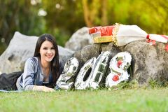 Ostente o ano novo 2018 da caixa de presente da aptidão da senhora mulher Fotografia de Stock