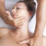 Osteopathy com manipulação cervical imagem de stock royalty free