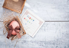 Osterei und Karte Lizenzfreies Stockfoto