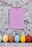 Ostereier in einer Reihe Lizenzfreie Stockbilder