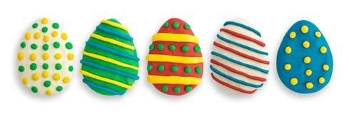 Ostereier gemacht von der mehrfarbigen Knetmasse Stockbilder