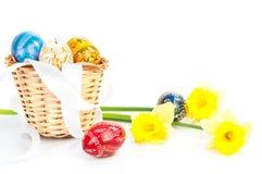 Ostereier und Blumen Stockbilder