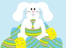 Osterhase mit Eiern Stockfotos