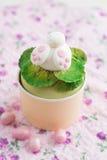 Osterhasen-kleiner Kuchen Stockfoto