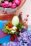 Ostern-Blumengesteck Lizenzfreie Stockfotografie